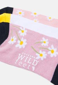 Wild Feet - DAISY TRAINER SOCKS 3 PACK - Socks - assorted - 1