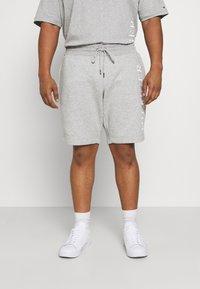 Tommy Hilfiger - Shorts - grey - 0