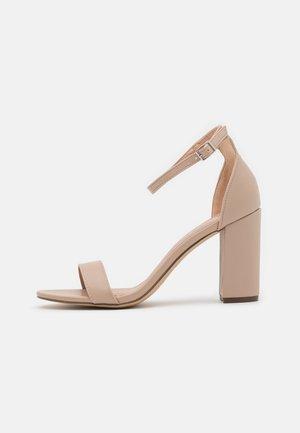 BEELLA - Sandály na vysokém podpatku - blush
