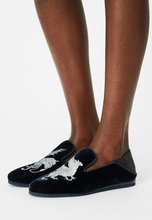 SCARLETT - Įmautiniai batai - black