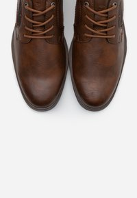 TOM TAILOR - Casual lace-ups - cognac - 4