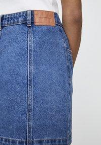 PULL&BEAR - Denim skirt - mottled dark blue - 4