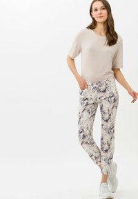 BRAX - STYLE SHAKIRA S - Jeans Skinny Fit - clean cherry blossom - 1