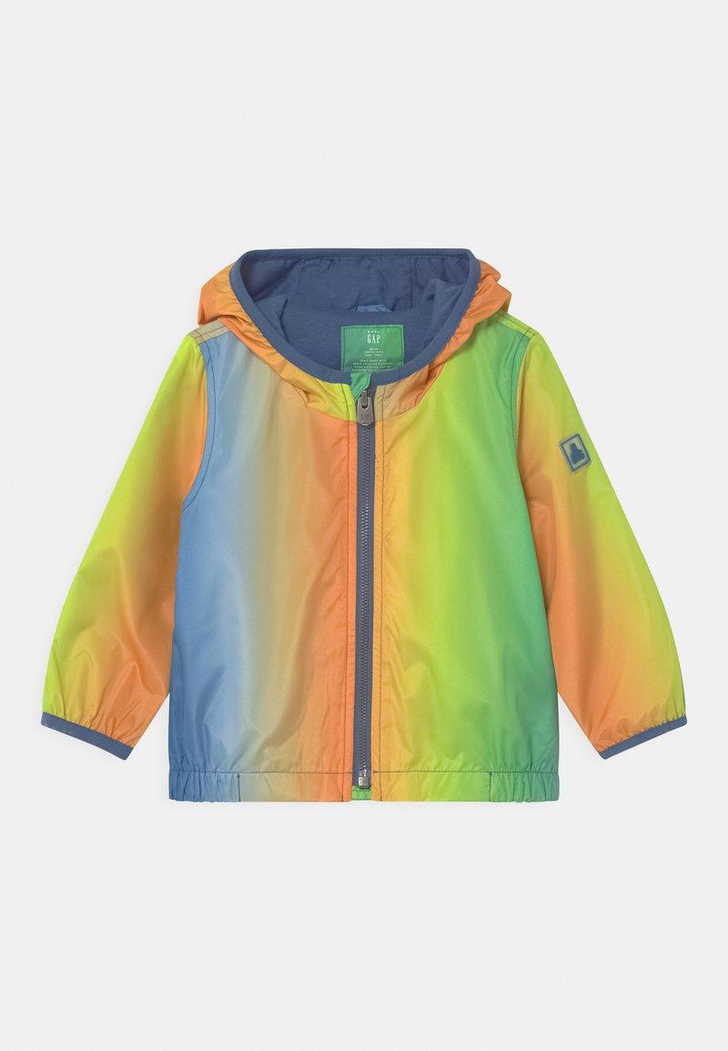 GAP - WINDBREAKER - Light jacket - mango