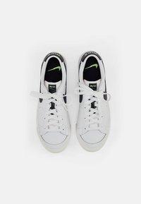 Nike Sportswear - NIKE BLAZER LOW  - Trainers - white/aquamarine-lime glow-off noir-sail - 5