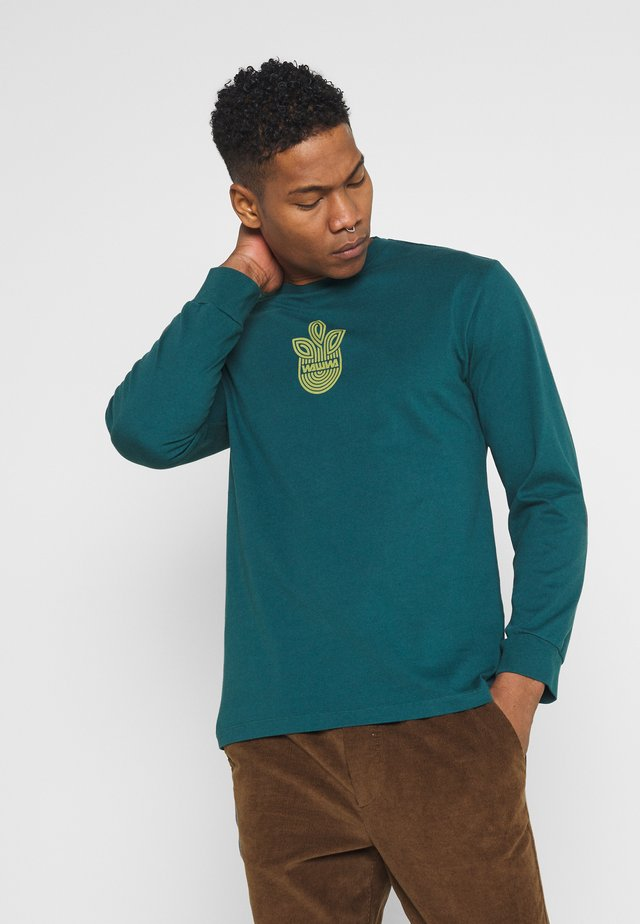 LEAF LOGO LONGSLEEVE UNISEX - Long sleeved top - jungle green