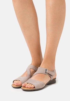 Sandaler - leinen