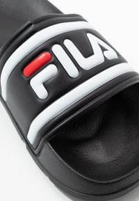 Fila - MORRO BAY 2.0 - Pantofle - black - 2