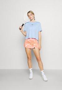 Endless - FALDA MINIMAL  - Sports skirt - orange - 1