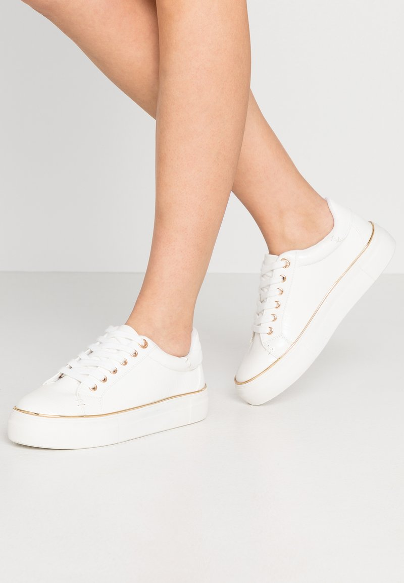 Topshop - CLOVER LACE UP TRAINER - Sneakers laag - white