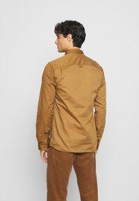 INDICODE JEANS - BORDEN - Shirt - braun - 2
