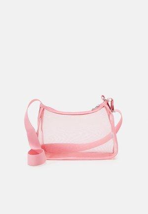 HEDVIG HAND - Håndveske - pink