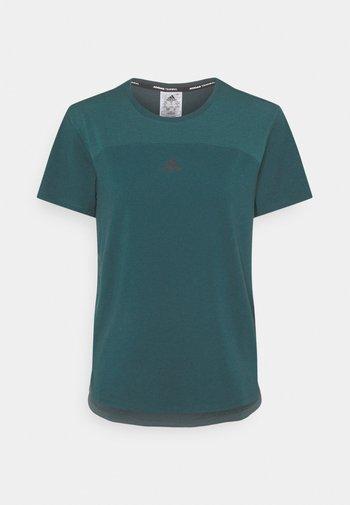 AEROREADY TEE - T-shirts - wiltea