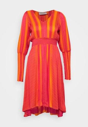 LORENTIA - Day dress - lichee pink