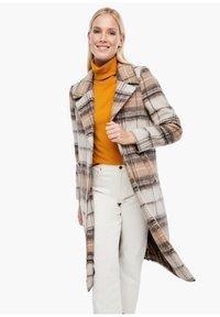 s.Oliver - MIT KAROMUSTER - Short coat - brown check - 0