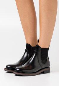 GANT - MALIIN CHELSEA - Ankle boots - black - 0