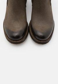Felmini - COOPER - Classic ankle boots - morat militar - 5