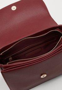 Valentino Bags - DIVINA  - Handbag - vino - 2