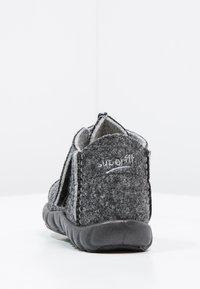 Superfit - HAPPY - Domácí obuv - schwarz - 3