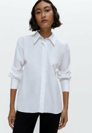 MIT SCHLEIFEN - Button-down blouse - white