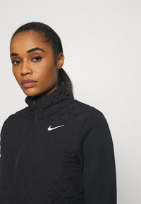 Nike Performance - AEROLAYER - Laufjacke - black/reflective silver - 3