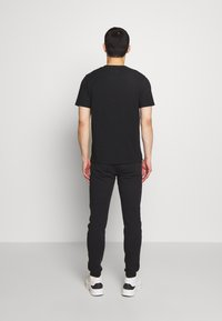 Bricktown - SMALL - Print T-shirt - black - 2