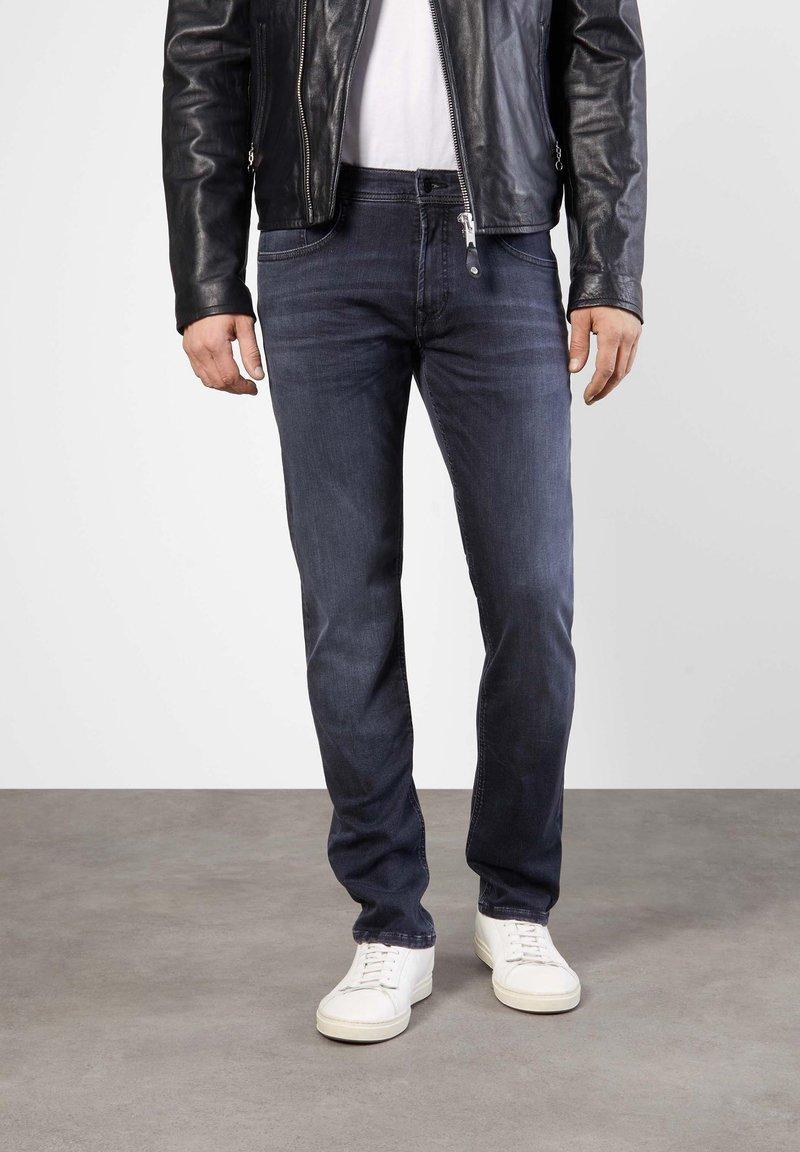 MAC Jeans - MACFLEXX GRAUTÖNE - Slim fit jeans - authentic dark grey
