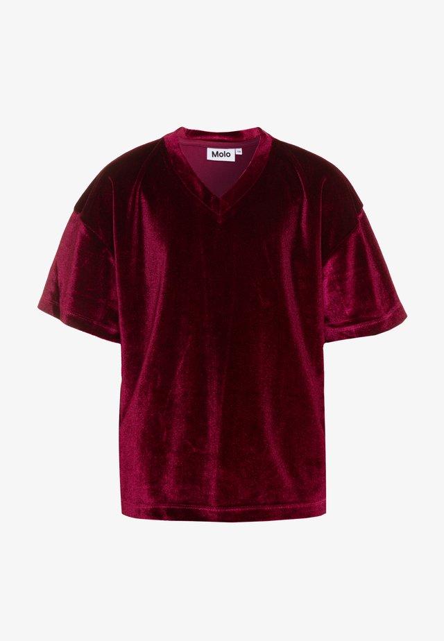 RENNIE - Print T-shirt - sumak