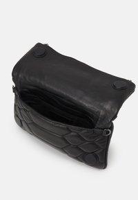 Zadig & Voltaire - ROCK - Across body bag - noir - 3