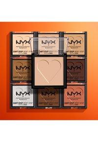 Nyx Professional Makeup - CAN'T STOP WON'T STOP MATTIFYING POWDER - Powder - 10 rich - 3