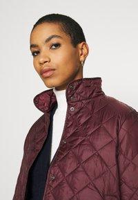 Selected Femme - SLFPLASTICCHANGE QUILTED JACKET - Light jacket - port royale - 5