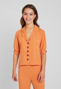 Fashion Union Petite - Blouse - saffron - 0
