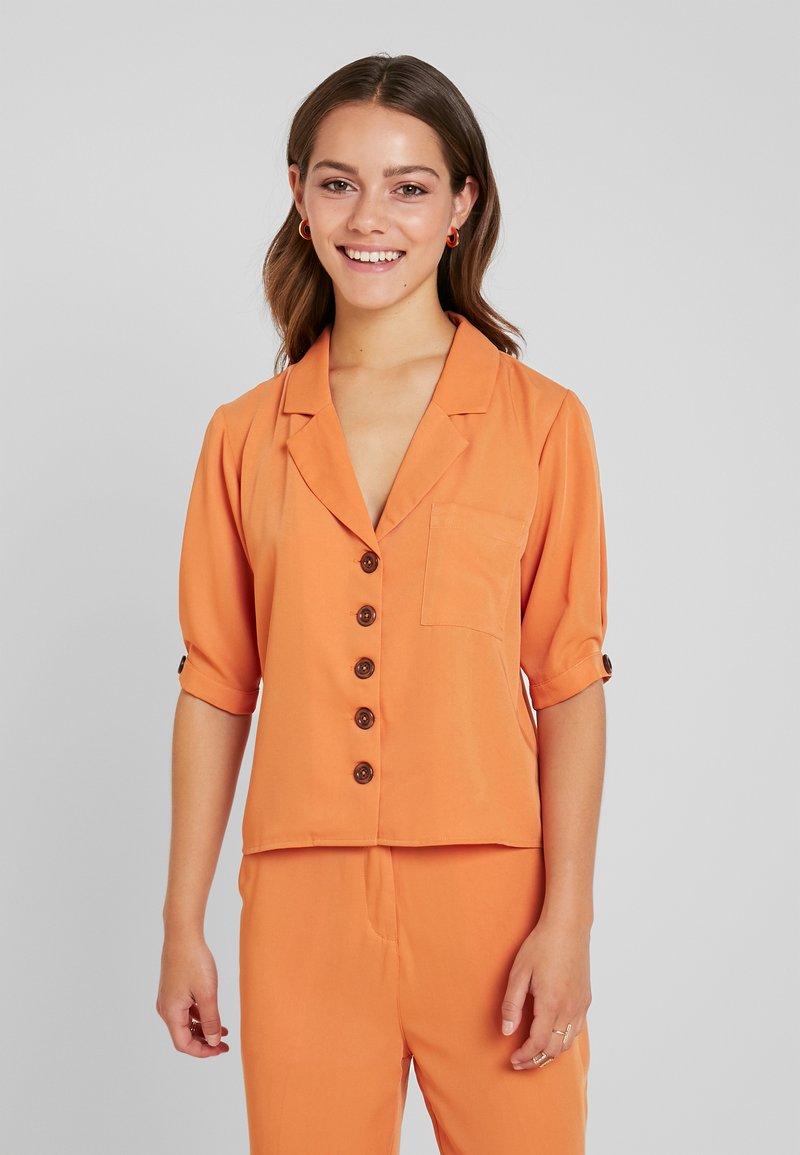 Fashion Union Petite - Blouse - saffron