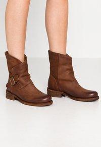 Felmini - VERDY - Cowboy/biker ankle boot - morat - 0