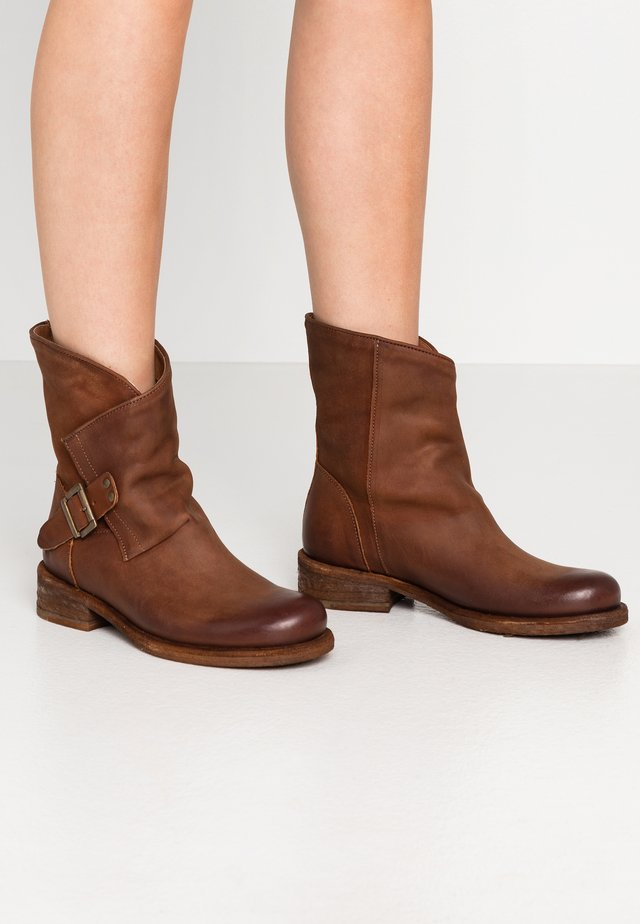 VERDY - Cowboy/biker ankle boot - morat