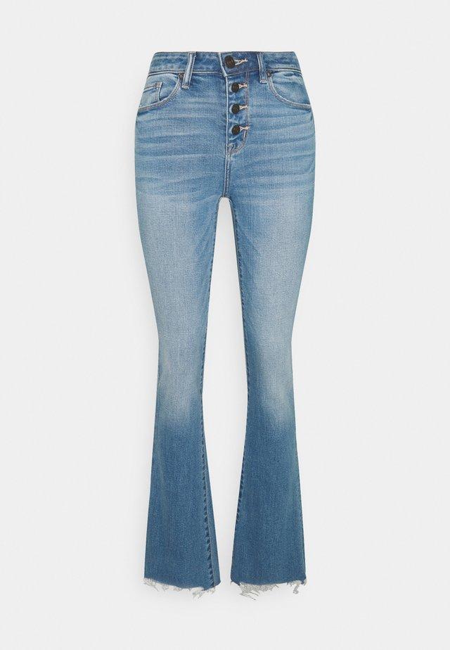 HI RISE KICK  - Jeans a zampa - eyelet blue