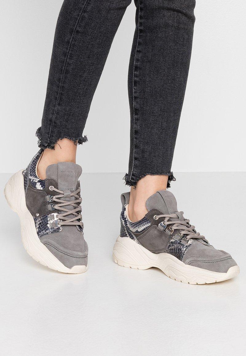 AllSaints - TAMAYA - Matalavartiset tennarit - charcoal grey