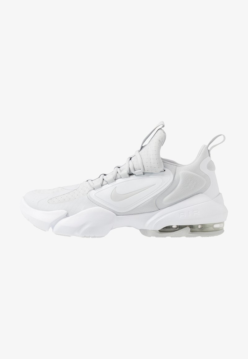Nike Performance - AIR MAX ALPHA SAVAGE - Sports shoes - pure platinum/white