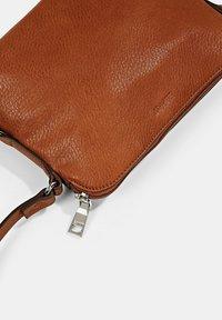 Esprit - Across body bag - rust brown - 5