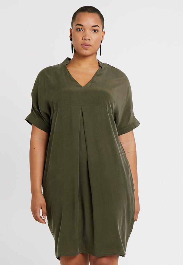 MANDARIN COLLAR DRESS - Vestido informal - khaki