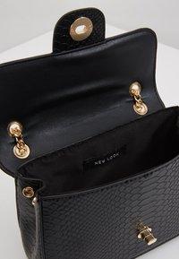 New Look - CHAIN SHOULDER - Torba na ramię - black - 4