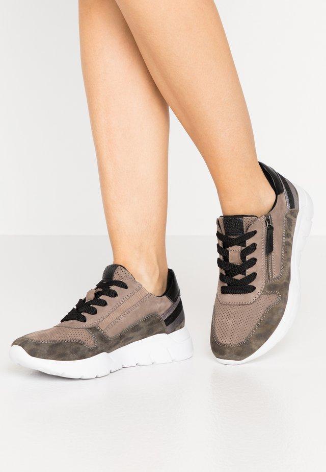 Sneakers laag - jagua