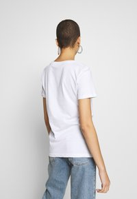 Alpha Industries - RAINBOW - T-shirt print - white - 2