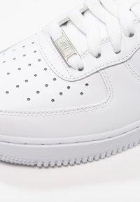 Nike Sportswear - AIR FORCE 1 '07 - Sneakers laag - white - 8