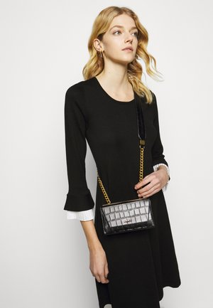 COOPER BOX CROSSBODY - Across body bag - black/gold-coloured