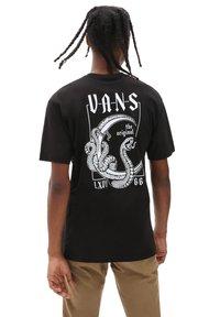 Vans - MN CRESCENT SS - T-shirt med print - black - 0