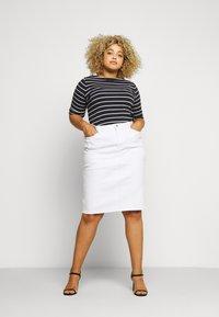 Lauren Ralph Lauren Woman - DANIELA STRAIGHT SKIRT - Pencil skirt - white - 1