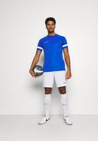 Nike Performance - Camiseta estampada - game royal/white - 1