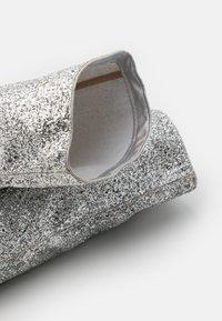 BEBO - LIMA - Kozačky na vysokém podpatku - silver glitter - 5