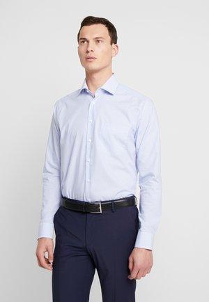 REGULAR FIT - Finskjorte - light blue